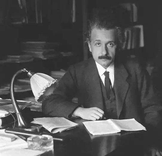 爱因斯坦不仅拥有超大的脑容量,还有令人沦陷的颜值和多情 - 第3张  | 鹿鸣天涯